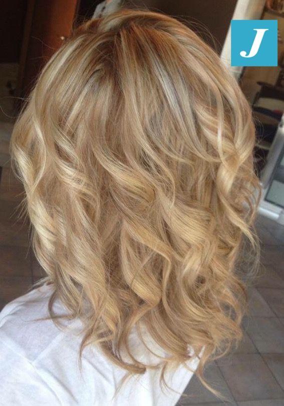 Spotted in salone! Biondo di stile e piega beach waves. #cdj #degradejoelle #tagliopuntearia #degradé #igers #naturalshades #hair #hairstyle #haircolour #haircut #longhair #style #hairfashion