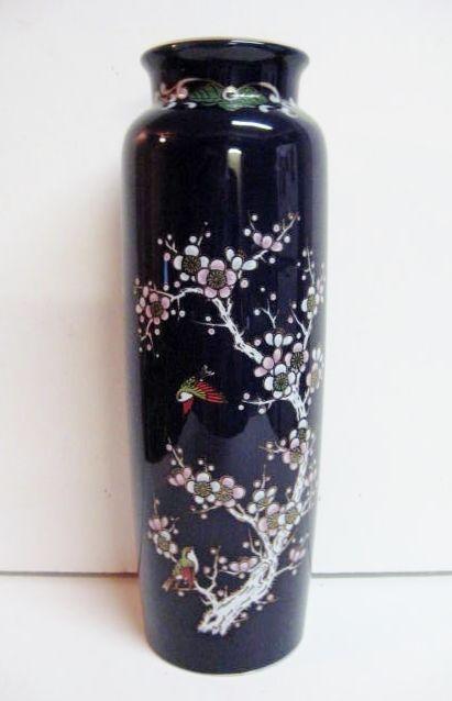 24 Best Images About Japanese Cobalt Blue Porcelain On Pinterest Porcelain Vase Peacocks And