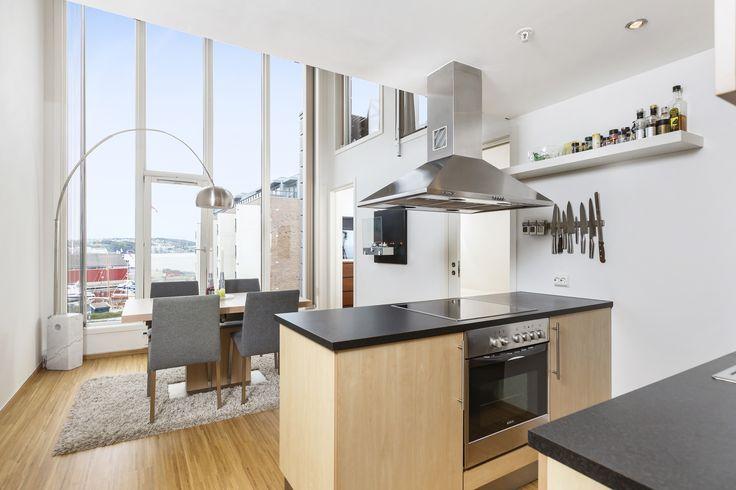 Et kjøkken med nydelig utsikt.