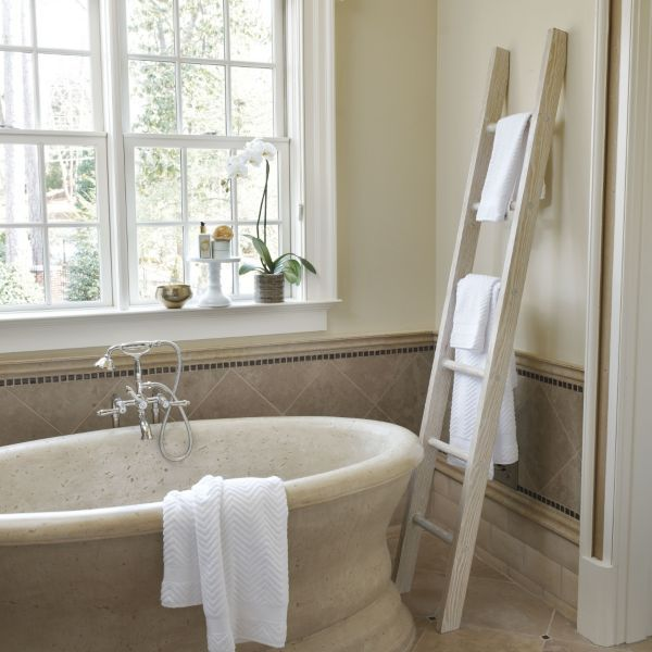 1000 ideas about decorative ladders on pinterest - Decorative ladder for bathroom ...