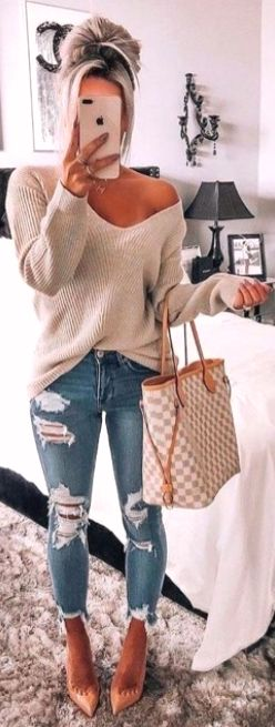 20 Must Have Outfits For the Fall Season 3