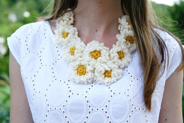 Crochet Daisy Chain Necklace // Caught On A Whim by Caught On A Whim, via Flickr