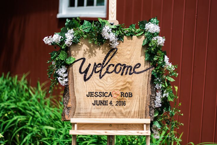 Rustic Outdoor Barn Wedding in Easton, Connecticut | Elyse Jankowski Photography