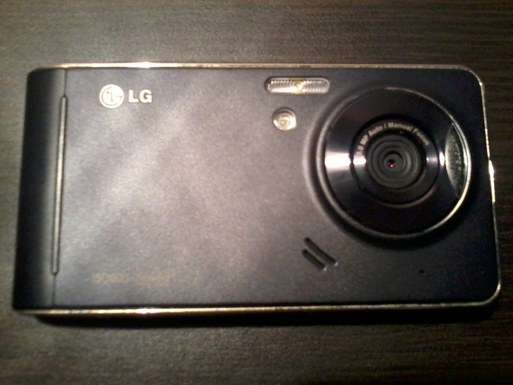 Mobile Phone - LG KU990i Viewty / Production Year: 2007 . In this photo: Back phone.