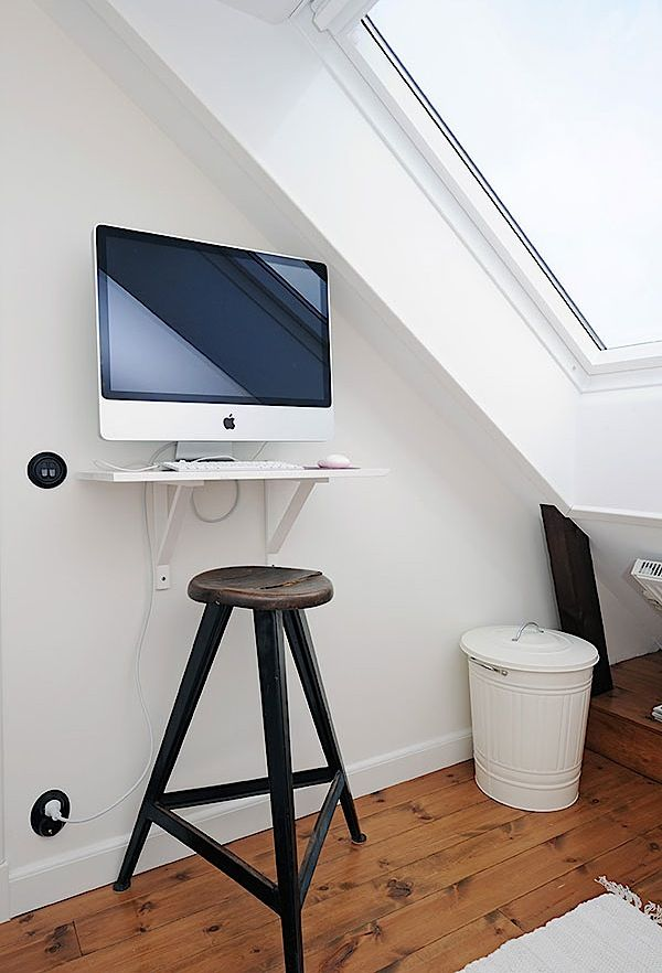 Awesome Colorful Details For Fresh Apartment Display: Imac And Small Computer Desk  And Tall Small Chair