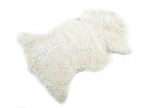 GENUINE NEW NATURAL EUROPEAN- RARE BREED SHEEPSKIN RUG/PELT 100% ORIGINAL PRODUCT __________________________________ SHEEPSKIN CODE: #SHP33 The color might be slightly different due to different lighting __________________________________ SIZE APPROX L - 36in. (90cm) W - 20in. (50cm) FUR Length: up to 5in. (13cm) ___________________________________ Our Sheepskins are from rare breeds retaining their original markings Our product are: HANDMADE IN EUROPE - MEDITERRANEAN AND BALKAN ...