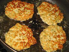 Мясные оладушки на кефире — прекрасная альтернатива котлетам