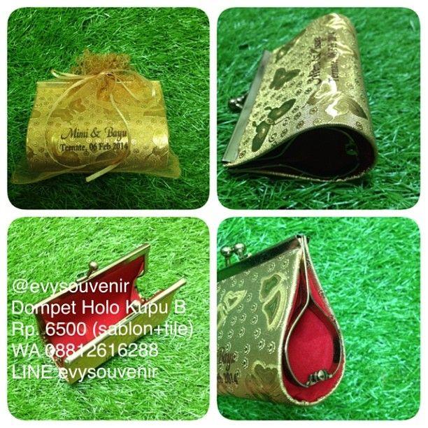 #souvenir #dompet #kupu B dengan sablon dan kemasan kain #tile Rp.6500 ❤️❤️ Ukuran dompet  10x4x7cm ❤️❤️ #souvenirdompetevysouvenir #evysouvenir #yogyakarta #indonesia
