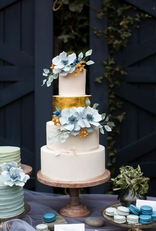 wedding cake pale blue flowers with gold