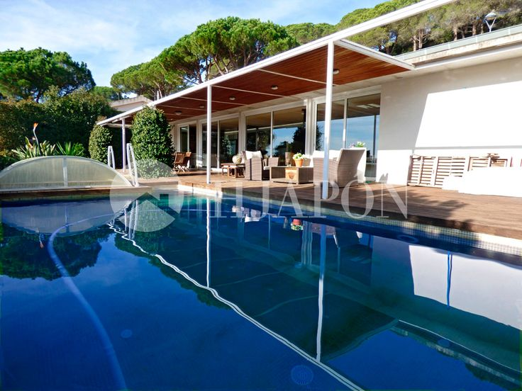 Custom-designed property for sale in Cabrils, located on the coast of Maresme.