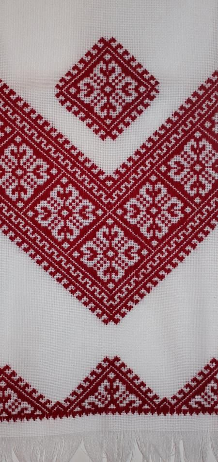 Nyzynka style, hand embroidered Ukrainian towel. Vyshytyi rushnyk nyzynkou