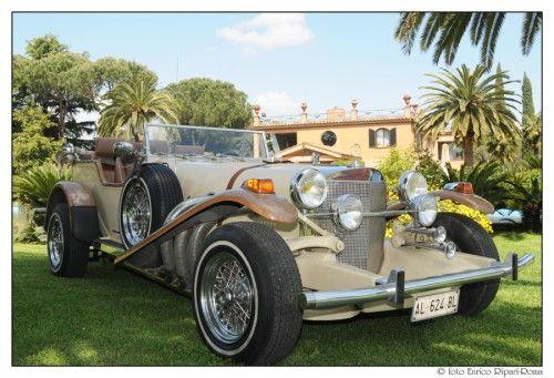 Auto d'epoca beige Автомобиль эпохи бежевый