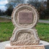 A győztes almási csata emlékműve