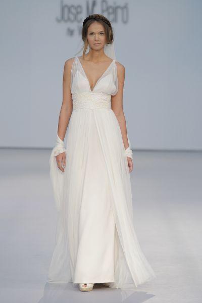 Vestidos de novia para mujeres con mucho pecho 2017: Diseños que te harán lucir fantástica Image: 23