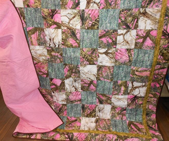 Pink Camo & White Camo Quilt www.robinsnestquilts.com