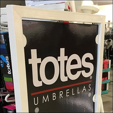 Two-Way Totes Umbrella Stand Is Four-Sided