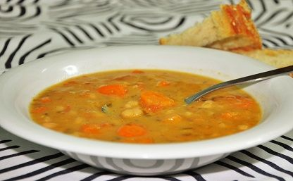 Fasolada, traditional Greek soup with beans, carrots, onion, celery and extra virgin olive oil. Φασολάδα η παραδοσιακή.