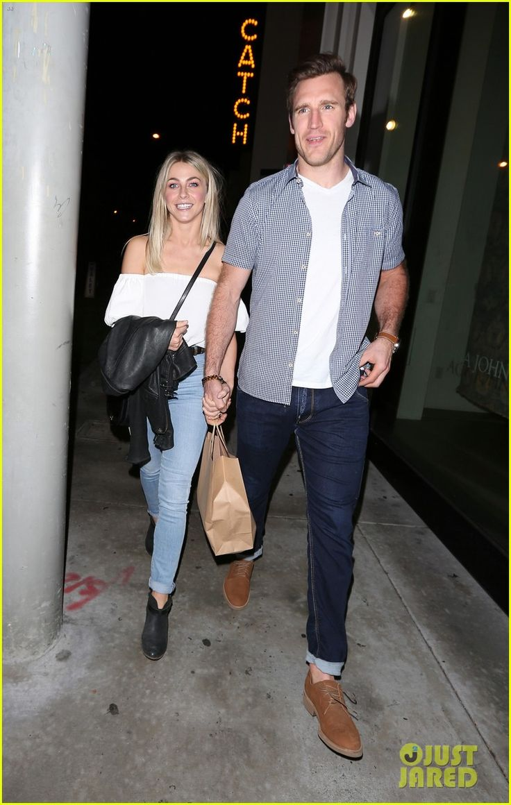 Julianne Hough & Brooks Laich Make a Cute Couple on Date Night!