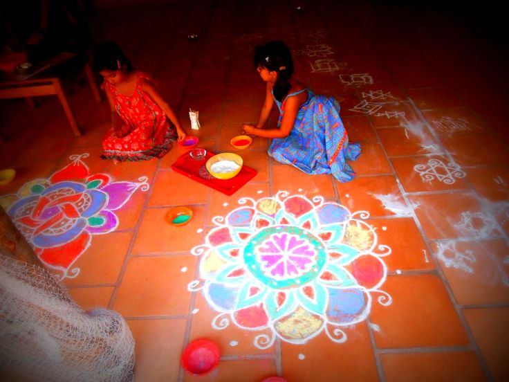 Learn how to draw Kolams in Pondicherry   Padhaaro