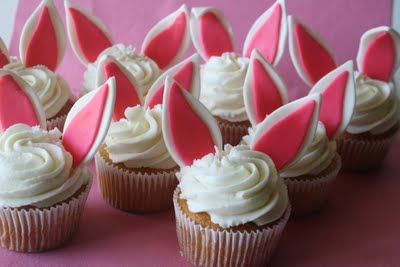 Adventures in Savings: HAPPY EASTER... with Easter Bunny Cake, Bunny Cupcakes, & Easter Egg Cookies