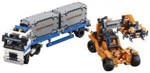 LEGO® Technic Transportoare de containere - L42062
