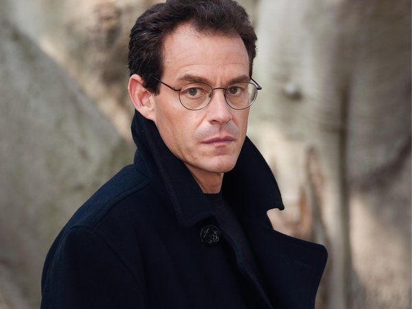 Before becoming a novelist, Daniel Silva worked as a journalist for United Press International and CNN.