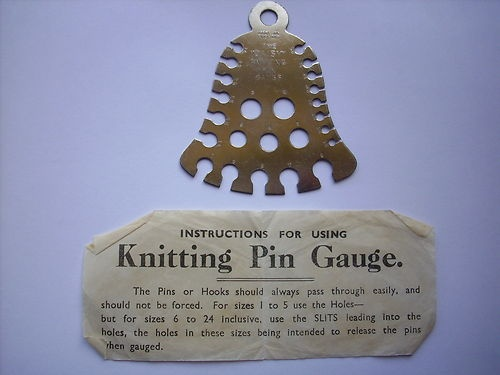 Knitting Needle Stitch Gauge : VINTAGE
