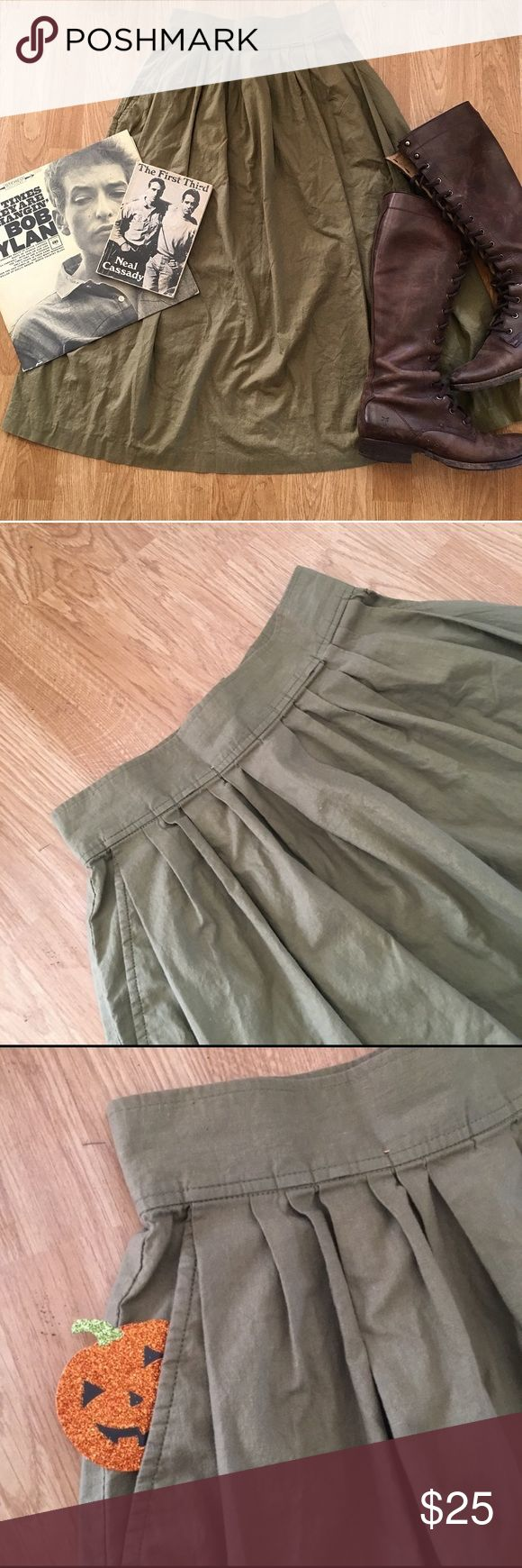 50s Cotton Midi Skirt Vintage A-line midi skirt, in the perfect shade of green! Lightly worn. Zips up, and has POCKETS! 😍 Small hole near one of the pockets, but could be easily mended. ((Vintage, retro, 30s, 40s, 50s, 60s, Rockabilly, pinup, Hell Bunny, Stop Staring, Sourpuss, Voodoo Vixen, Twin Peaks, Audrey Horne, On the Road, Kerouac)) Vinta Skirts Midi