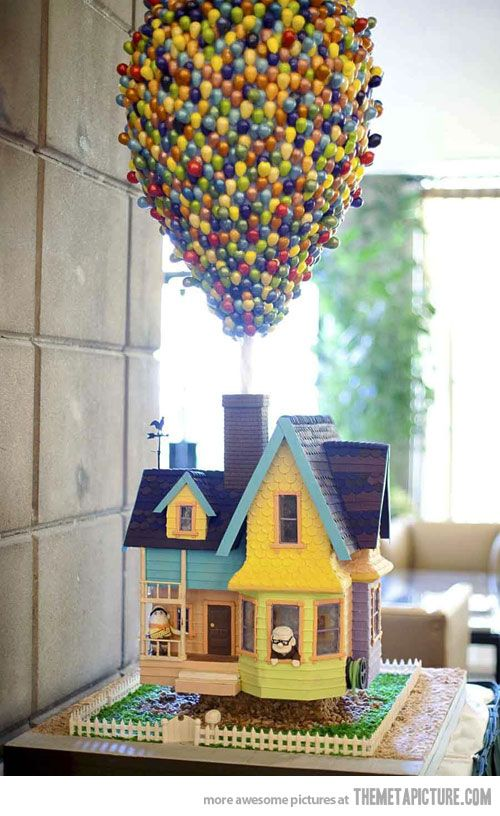 An UP CAKE! :O awesome!