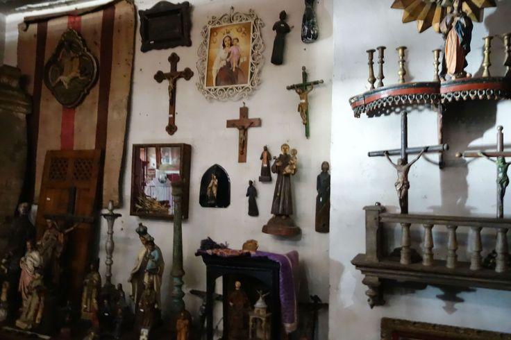 Santos y crucifijos, Sonia Carroza Antiguedades