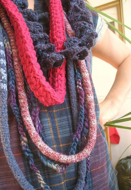 Neck ropes made from recycled and hundspun wool. By Lillywave.