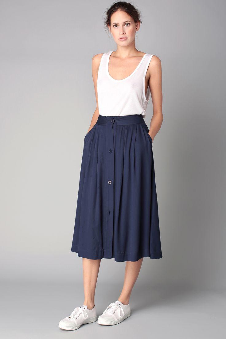 Jupe bleue boutonn e valisville couture les jupes for Robes de renouvellement de voeux de mariage taille plus