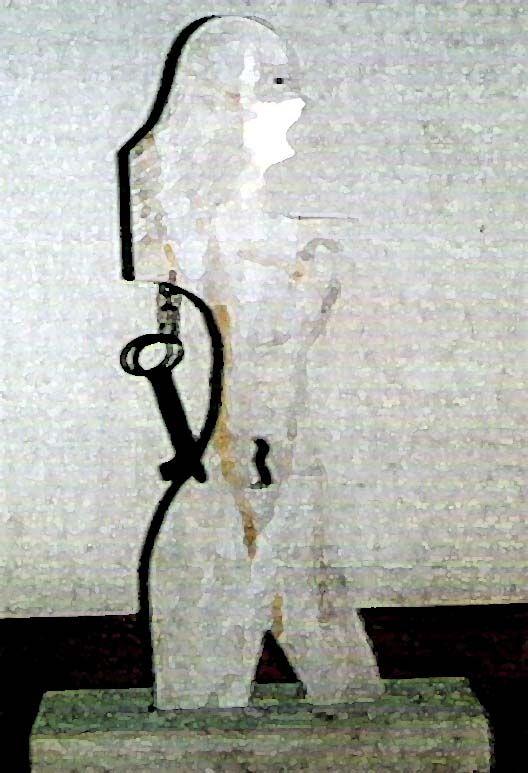 Etxekoandre es el reflejo de Mari, su encarnación simbólica y el alma matricial de la casa, su representante en el hogar y ministra principal del culto doméstico, preside los actos de rememoración de los difuntos predicando la ética naturalista de la religión de Mari.