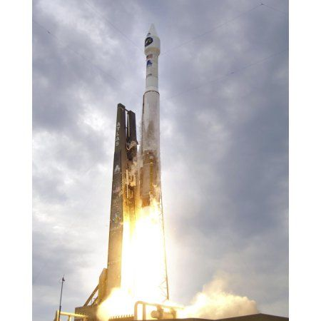 An United Launch Alliance Atlas V rocket lifts off Canvas Art - Stocktrek Images (25 x 32)
