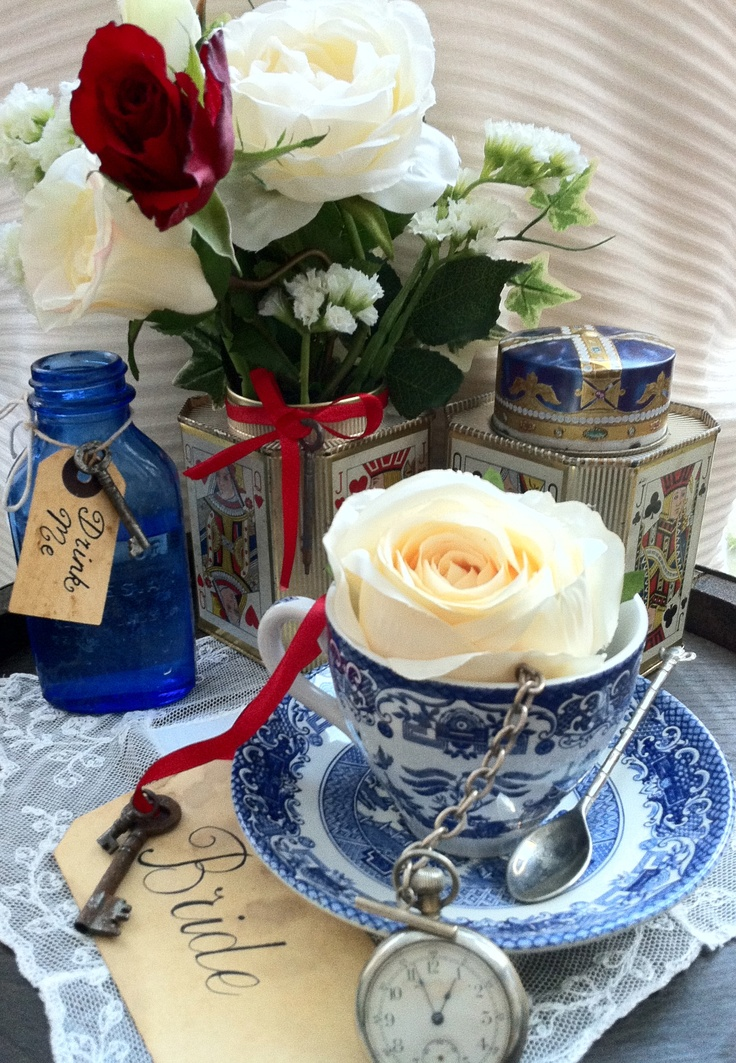 Alice In Wonderland Themed Wedding Decorations From Somethingoldsomethingneworguk