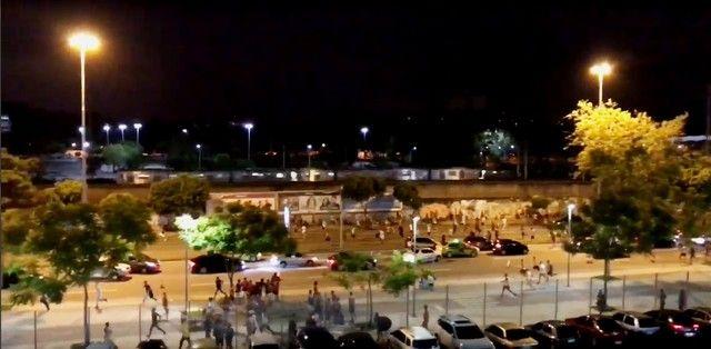 """Polícia detém vascaínos após briga no Maracanã: """"tinham paus e enxadas"""""""
