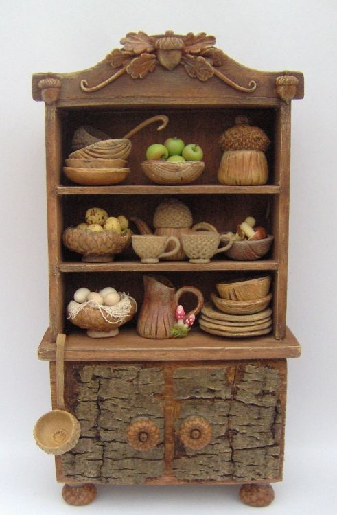 1/12 FAIRY HOUSE KITCHEN RUSTIC CUPBOARD