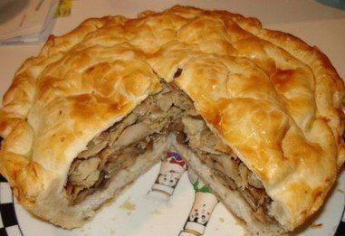 Курник домашний узбекскийИнгредиенты для теста:Мука пшеничная полкиломаргарин - пол пачкисметана - 100 гяйца куриные - одно яйцосода гашеная - половина чайной ложечки.для начинки:Картофель - 300 глук …