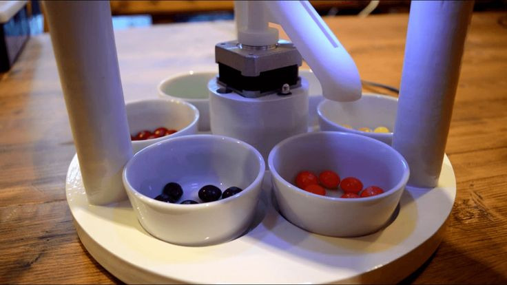 An Arduino Powered Machine That Quickly Sorts M&Ms and Skittles by Color