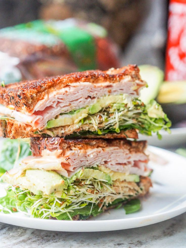 Turkey Arugula Sandwich with Sriracha Aioli