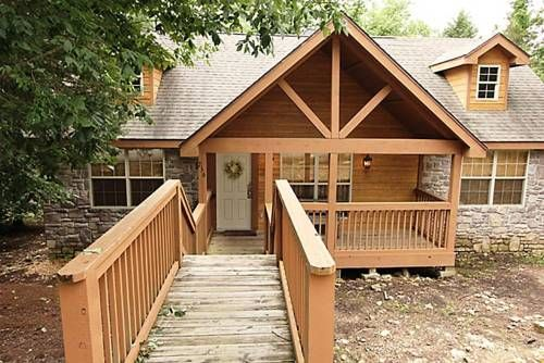 Deer Haven Lodge Ruth C Township (Missouri) Deer Haven Lodge offers accommodation in Marvel Cave, 11 km from Branson. The air-conditioned unit is 49 km from Eureka Springs. Free private parking is available on site.  There is a dining area and a kitchen.