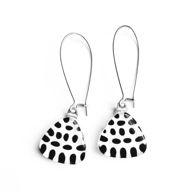 Le chouchou de ma boutique https://www.etsy.com/ca/listing/248301440/black-and-white-minimalist-pattern