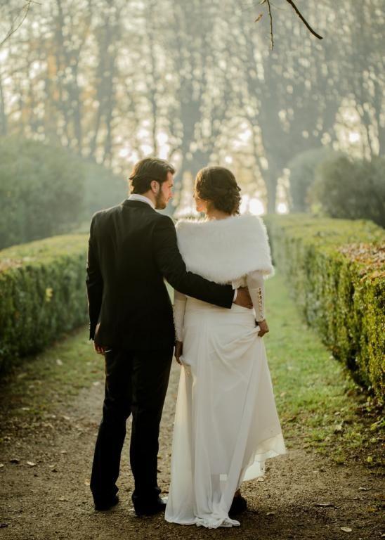etola  ślubna z futra biała