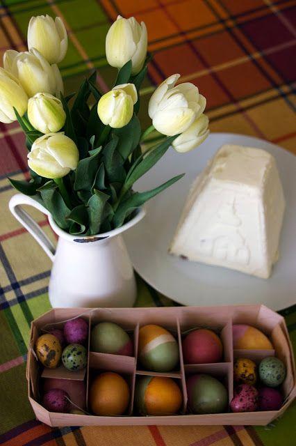Mary`s Secret: Easter eggs