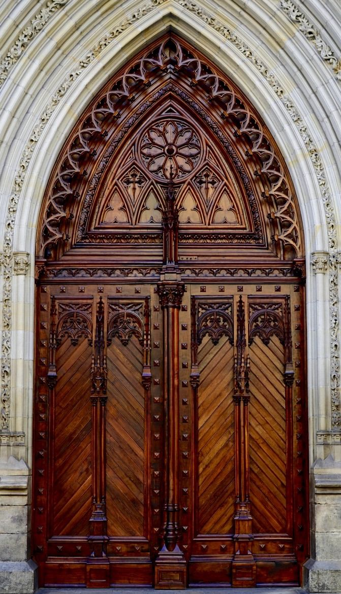 Detailed wood door. - Santiago Cathedral - Bilbao, Biscay, Spain