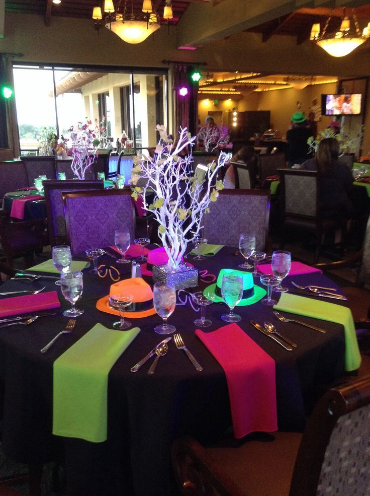 Best 25 neon decorations ideas on pinterest glow party for 80 s table decoration ideas