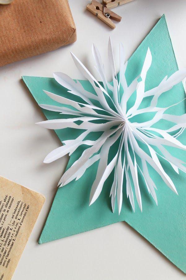 DIY Paper snowflakes - fiocco di neve fai da te con la tecnica dell'origami - TUTORIAL {giochi di carta}
