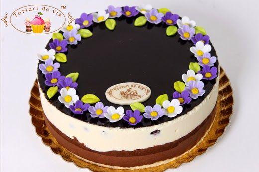 Tort cu flori pentru Roxana