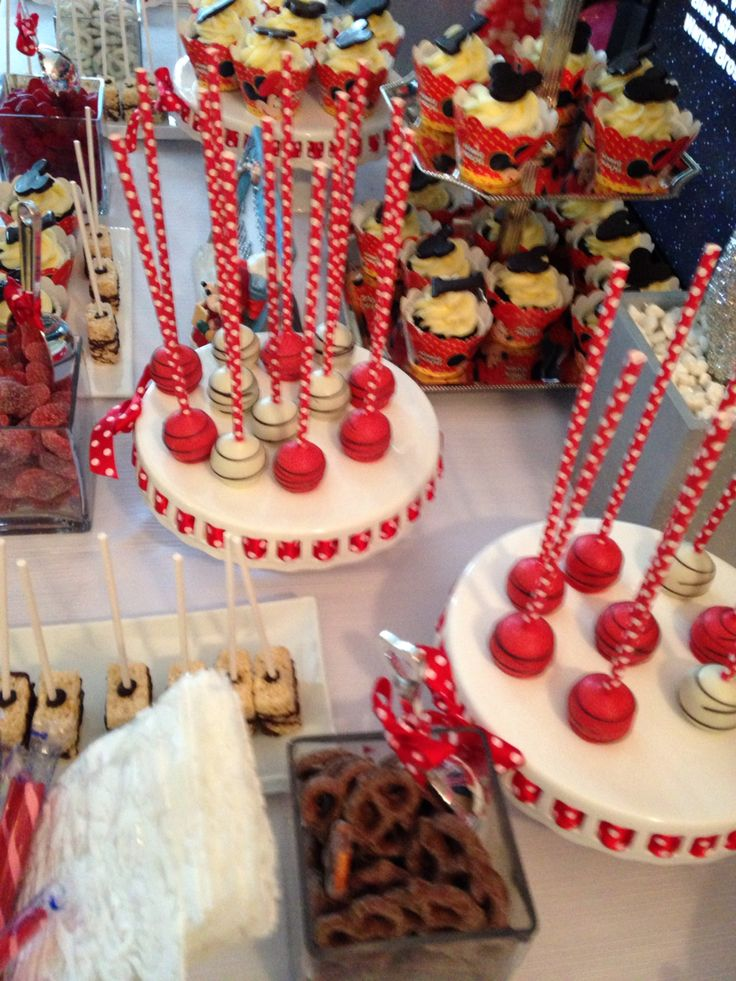 Sweet Candy Bar -Cupcakes Cakepops Cookies -chocolate pretzels - strawberries - Minnie Mouse theme