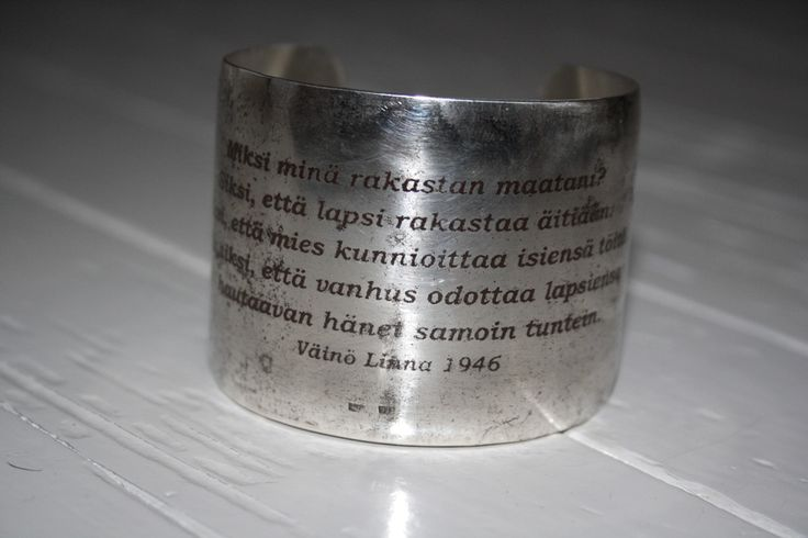 Rannekoru, hopeaa. Linnanjuhlat 2014, Leena Harkimo.